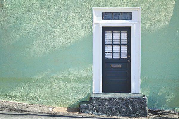 Apertura di una porta in un muro condominiale